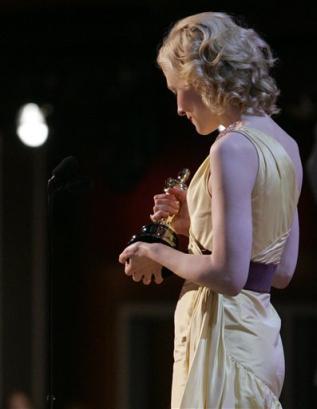 Oscars 2005 - 317x409, 14kB