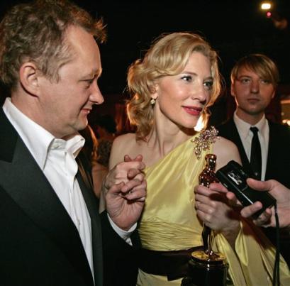Oscars 2005 - 409x403, 26kB