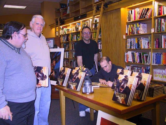 Joe DeVito Booksigning: Syosset, NY - 640x480, 76kB