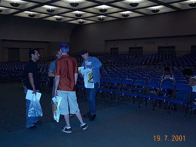 TORn Helpers at Comic-Con 2001 - 640x480, 81kB