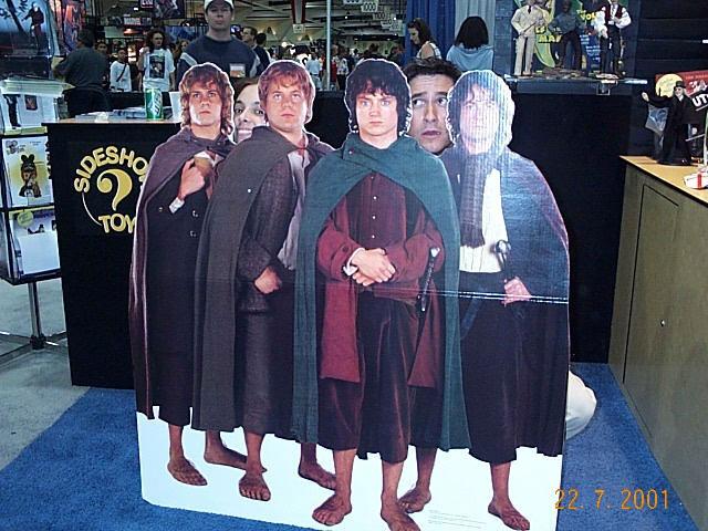 Hobbit Standups at Comic-Con 2001 - 640x480, 88kB
