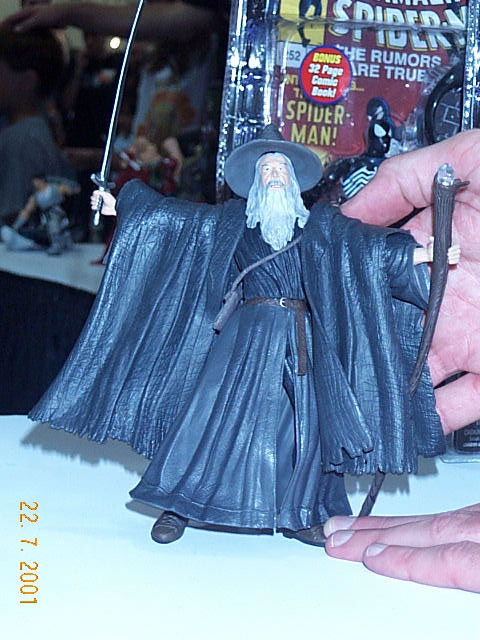 Close-up Gandalf Toy Biz Action Figure Comic-Con 2001 - 480x640, 79kB