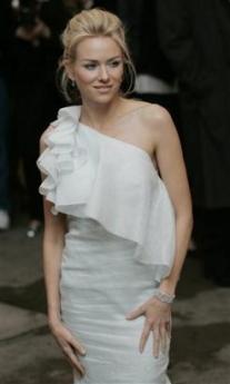 Costume Institute Celebrates Chanel - 207x345, 39kB