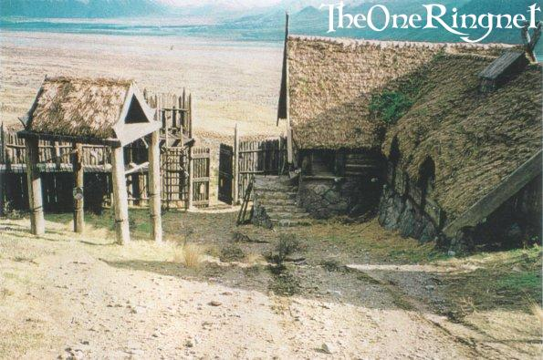 Set Pic: Inside Edoras! - 595x395, 61kB