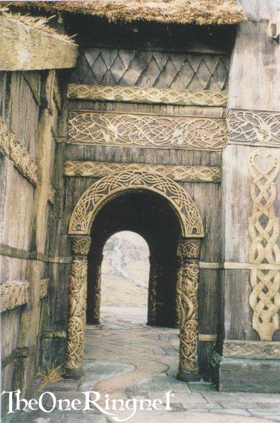 Set Pic: Inside Edoras! - 393x594, 57kB