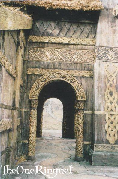 Set Pic: Inside Edoras! - 393x594, 57kB