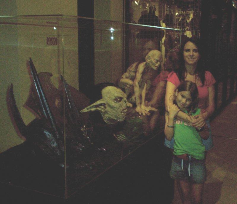 Houston LoTR Exhibit - 800x688, 65kB