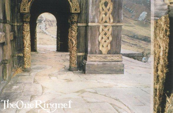 Set Pic: Inside Edoras! - 587x385, 44kB