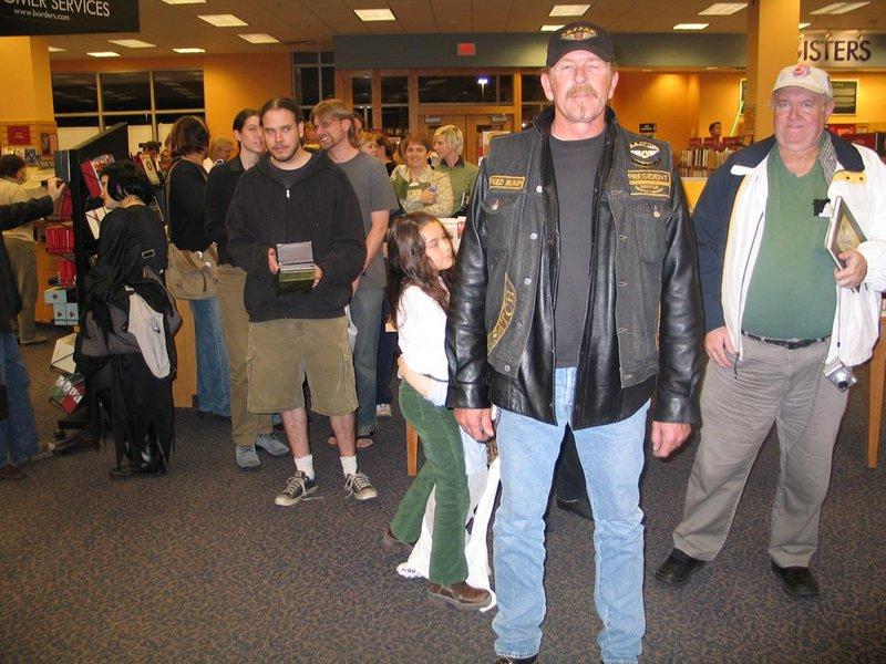 Alan Lee Book Tour: Murray, UT - 800x600, 114kB