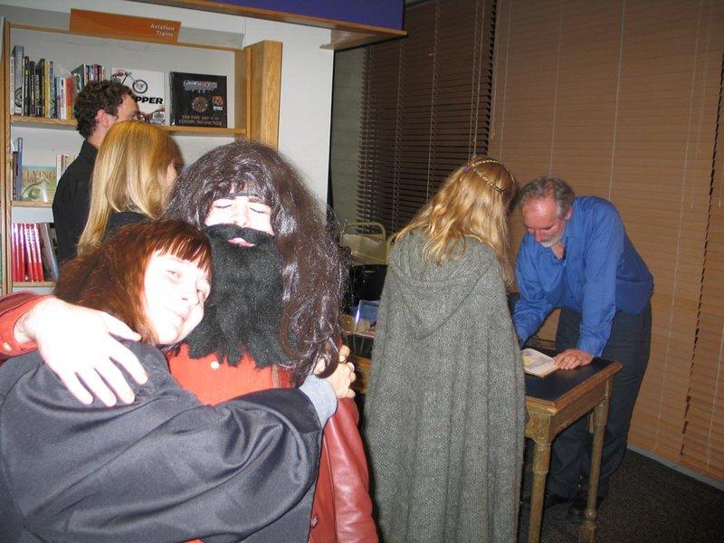 Alan Lee Book Tour: Seattle, WA - 800x600, 98kB