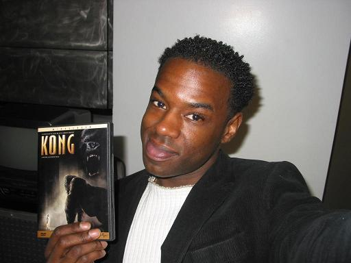 King Kong Fan with his DVD - 512x384, 29kB