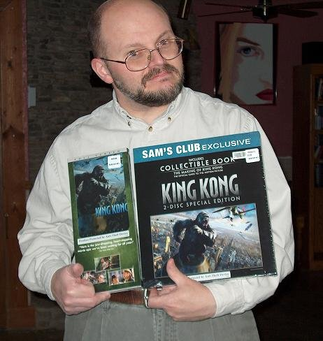 King Kong Fan with his DVD - 462x488, 44kB