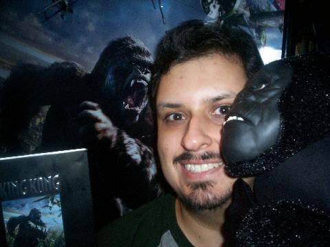 King Kong Fan with his DVD - 480x360, 25kB