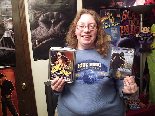 King Kong Fan with her DVD - 512x384, 54kB