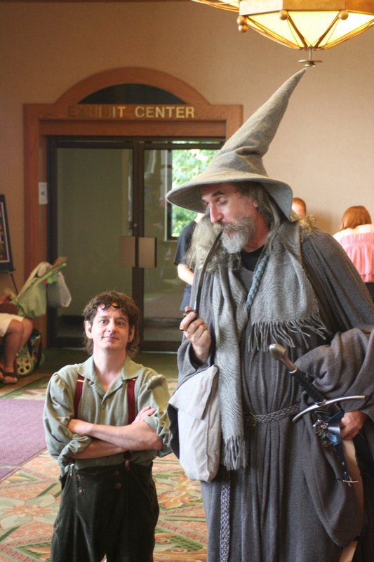 Frodo and Gandalf at ELF 2006 - 533x800, 88kB
