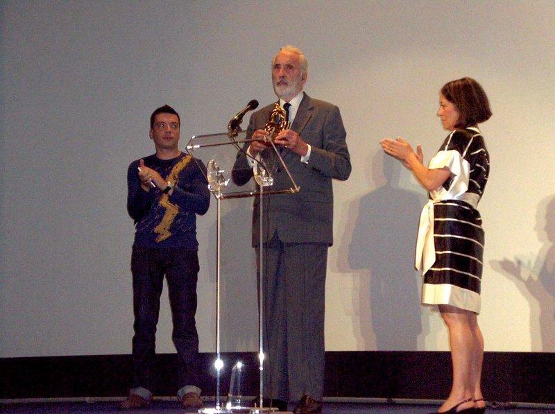 Christopher Lee at the Festroia Film Festival - 800x597, 89kB