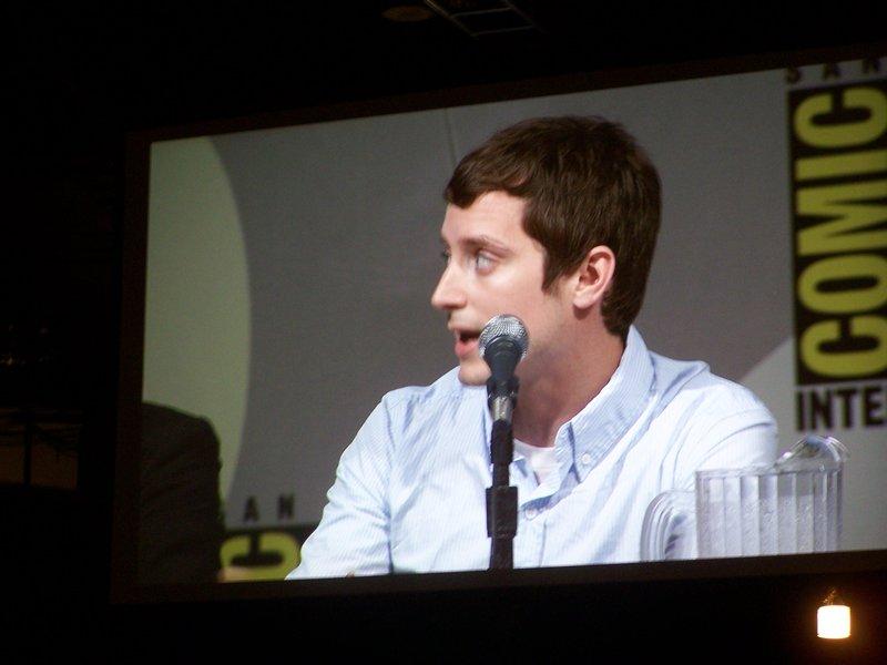 Comic-Con 2009 Elijah Wood - 800x600, 60kB