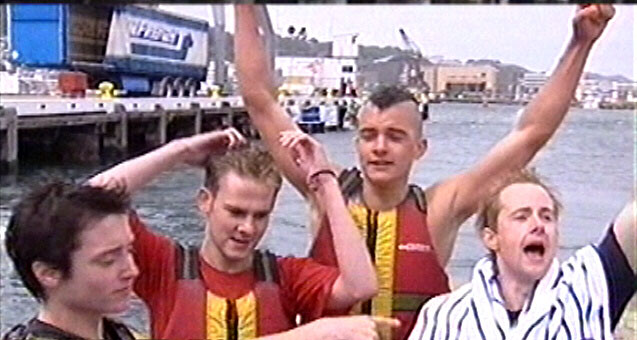 Dragon Boat Race - Victory! - 637x340, 58kB
