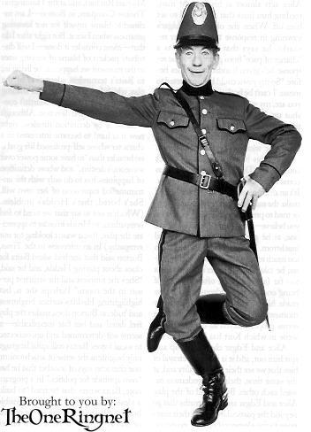 Ian McKellen in 'Dance of Death' - 352x488, 27kB