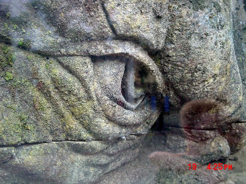 A stone troll up real close - 800x600, 213kB