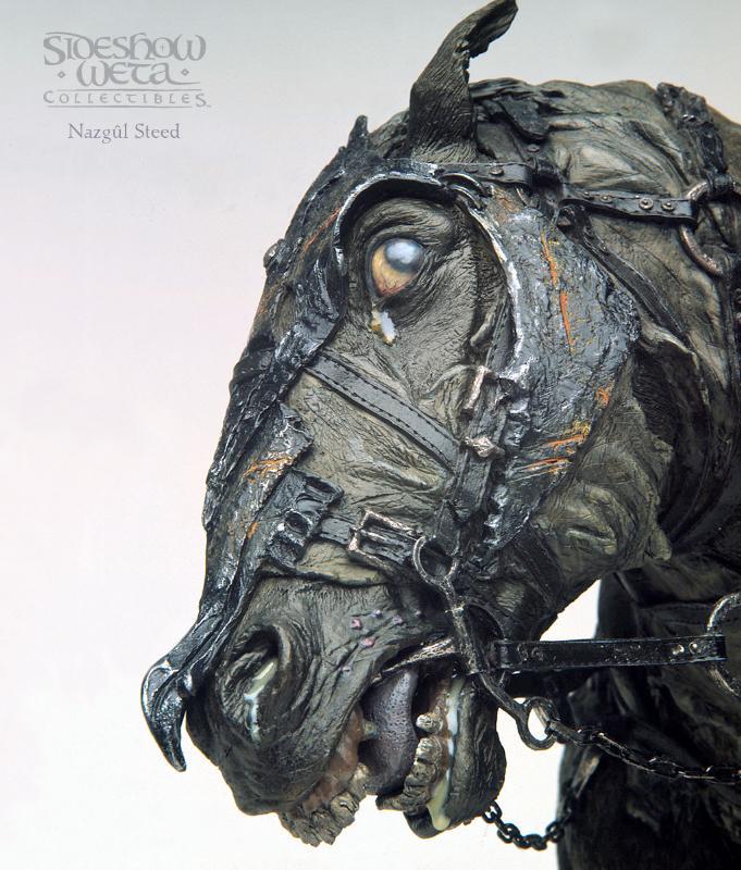 Nazgul Steed Polystone Bust Close-up - 681x800, 94kB