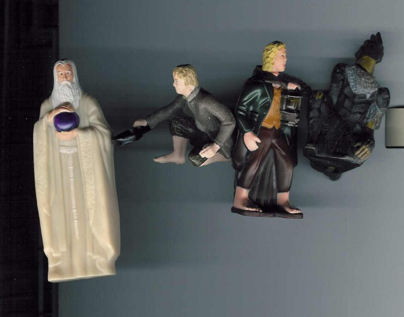 Burger King Saruman, Hobbit Toys - 800x628, 39kB