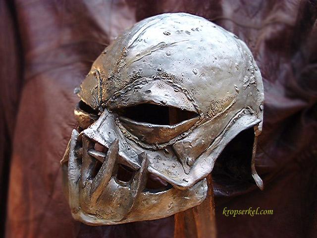 Orc War Helmet - 640x480, 86kB