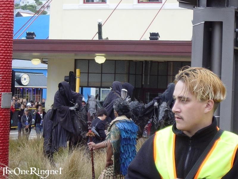The fearsome Nazgul attend the Wellington FOTR Premiere - 800x600, 78kB