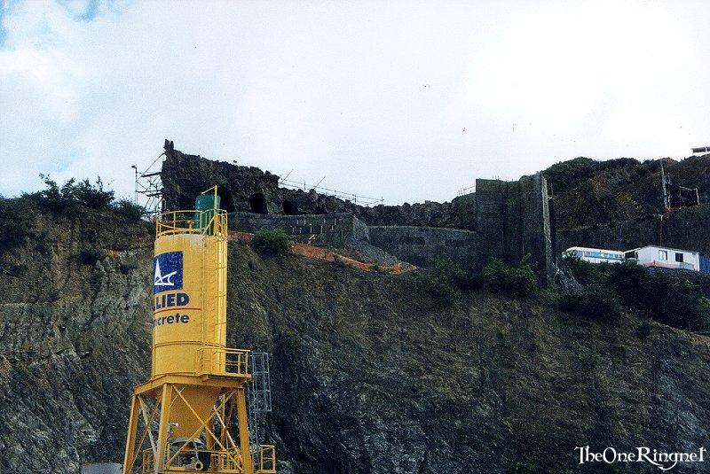 Set Pic: Helms Deep - 800x535, 104kB