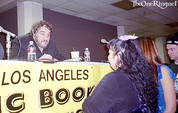 John Rhys-Davies talks to fans - 576x367, 52kB