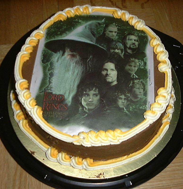 LOTR Cake - 775x800, 95kB