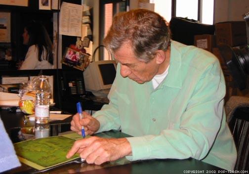 Ian McKellen at Book Soup - 504x352, 39kB