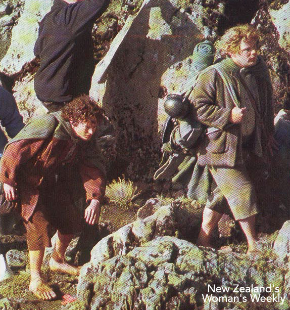 Sam and Frodo in Emyn Muil - 574x613, 142kB