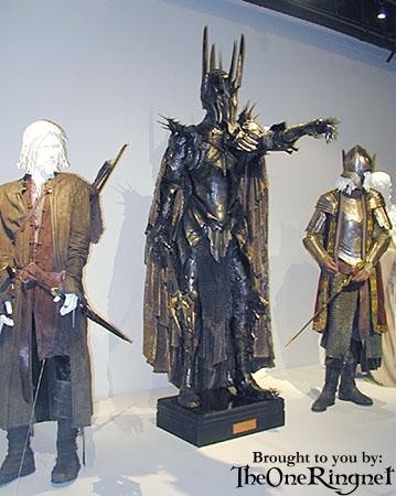 LOTR Costume Exhibit in LA - 359x450, 32kB