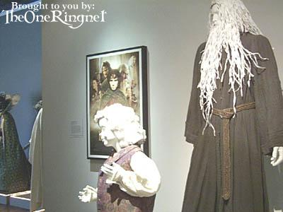 LOTR Costume Exhibit in LA - 400x300, 19kB