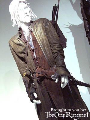 LOTR Costume Exhibit in LA - 300x400, 22kB
