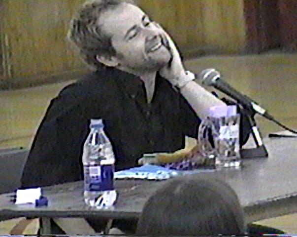 Billy Boyd at I-Con - 603x480, 306kB