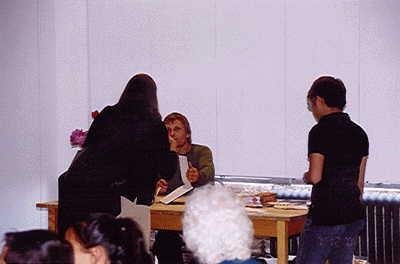 Viggo Mortensen Book Signing, New York - 400x264, 10kB