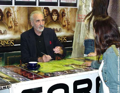 Christopher Lee Booksigning In London - 493x382, 60kB