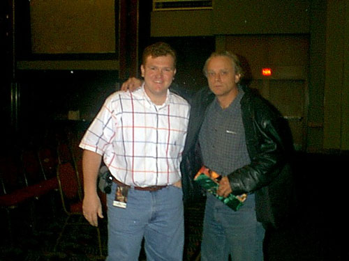 JJ and Brad Dourif - 500x375, 38kB