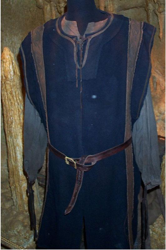 Toronto Exhibit - Rohan Man Costume - 531x800, 71kB