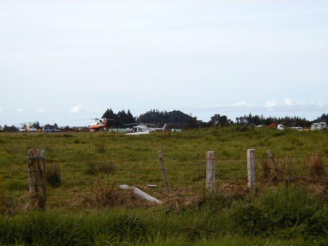 Golden Bay Camp - 640x480, 53kB