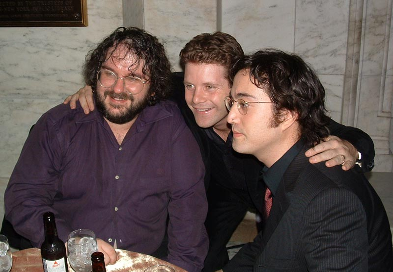 The New York Premiere of TTT - PJ and Sean Astin at the After-Party - 800x555, 66kB