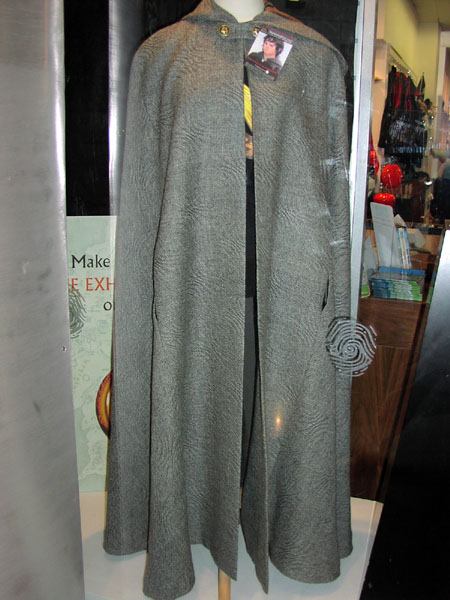 Elvish cloaks on sale at te papa - 450x600, 65kB
