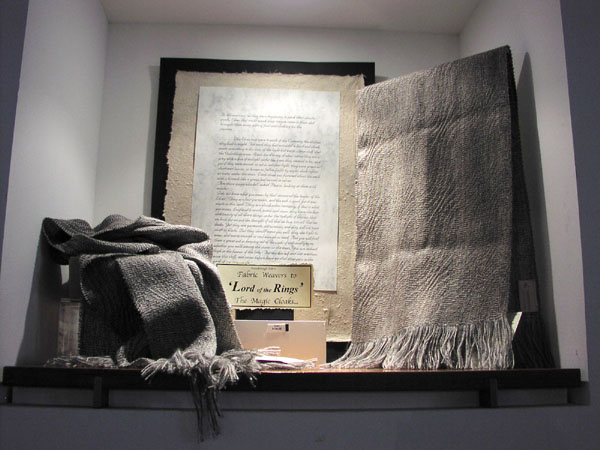 Elvish cloaks on sale at te papa - 600x450, 60kB