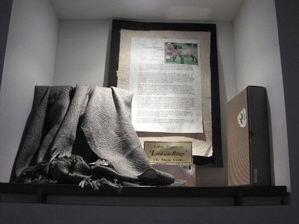 Elvish cloaks on sale at te papa - 600x450, 48kB