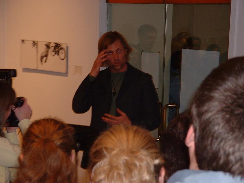 Viggo Mortensen Speaks at SLU - 800x600, 365kB