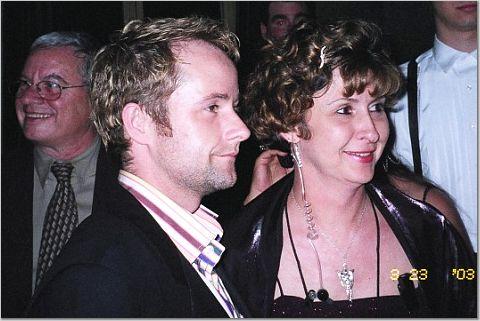 Billy Boyd and TORn Staffer Arwen - 480x321, 35kB