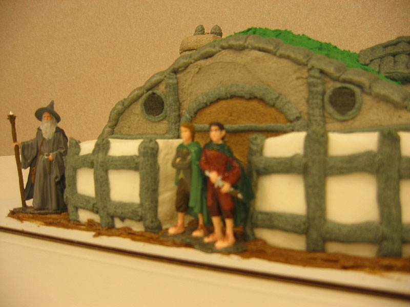 Hobbit Hole Cake - 800x600, 73kB