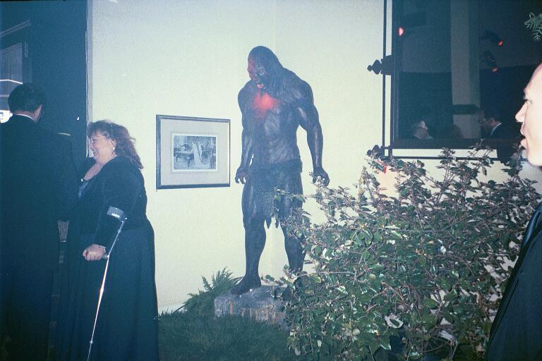 The Lurtz Statue - 768x512, 64kB